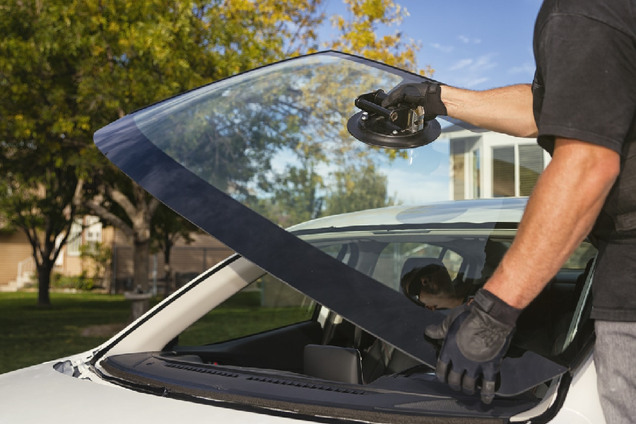 The Process Of Repairing A Windscreen