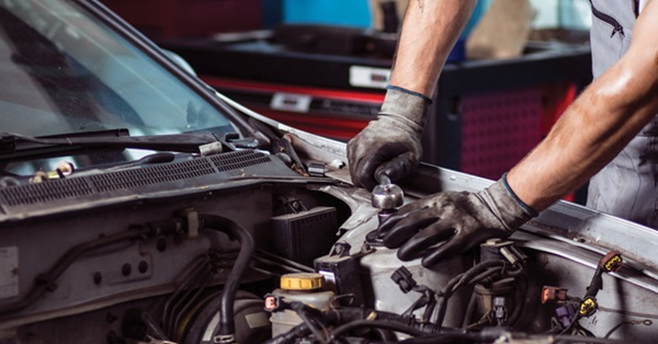 How Cadillac Authorized Auto Service Centers are Different from Private Garages?